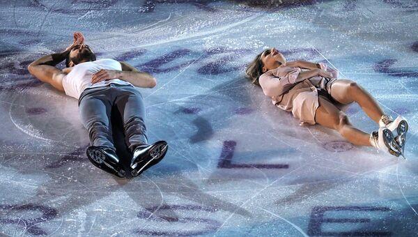 Габриэлла Пападакис и Гийом Сизерон участвуют в показательных выступлениях финала Гран-при по фигурном катанию в Марселе