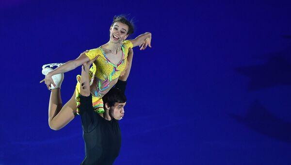 Анна Душкова и Мартин Бидар участвуют в показательных выступлениях финала Гран-при по фигурном катанию в Марселе