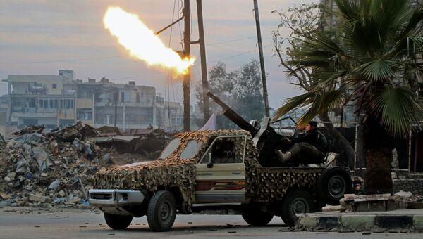 Боевики ведут огонь по позициям правительственных войск в Алеппо