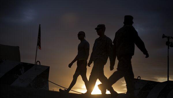 Военнослужащие армии США в Центре транзитных перевозок ВВС США на базе Манас