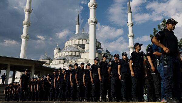 Турецкие полицейские в Анкаре. Архивное фото