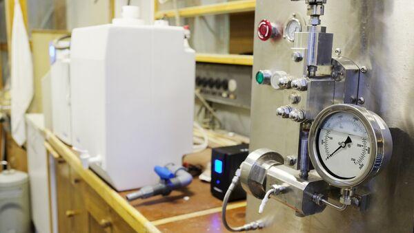 Оборудование в лаборатории. Архивное фото