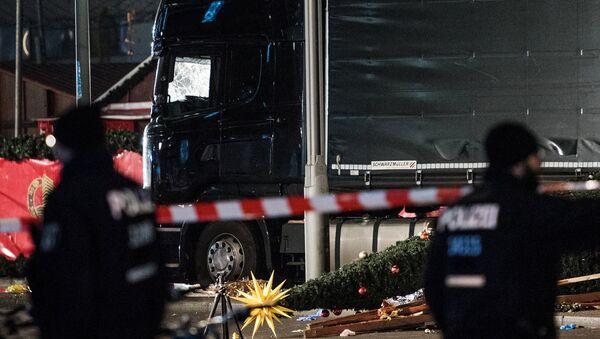 Полицейские на месте теракта в Берлине. Архивное фото