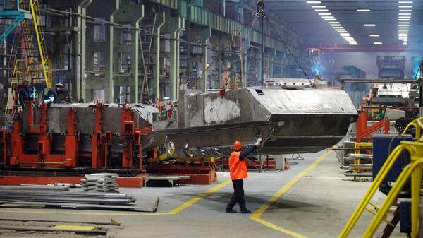 Сварка корпуса бронетранспортера БТР-МДМ Ракушка в цехе Курганского машиностроительного завода. Архивное фото.