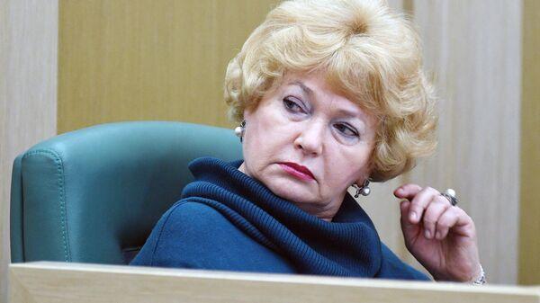 Член Совета Федерации РФ Людмила Нарусова на заседании Совета Федерации РФ