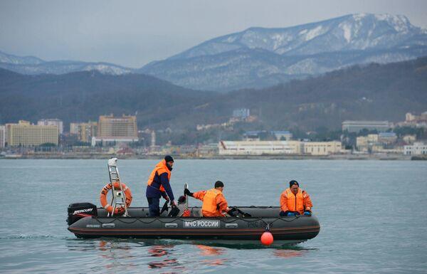 Поисково-спасательная операция на месте крушения самолета Ту-154 в Черном море у берегов Сочи. 28 декабря 2016