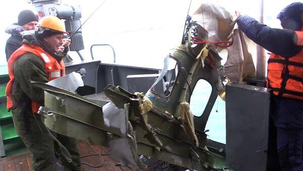 Подъём найденного фрагмента самолета Ту-154, потерпевшего крушение над Черным морем у берегов Сочи
