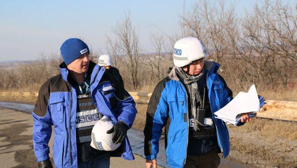 ОБСЕ мониторят участок у КПП Станица Луганская в Донбассе на наличие неразорвавшихся боеприпасов и мин