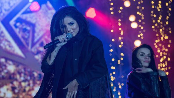 Певица Нюша выступает на концерте, посвященном открытию Сочи Казино и Курорт