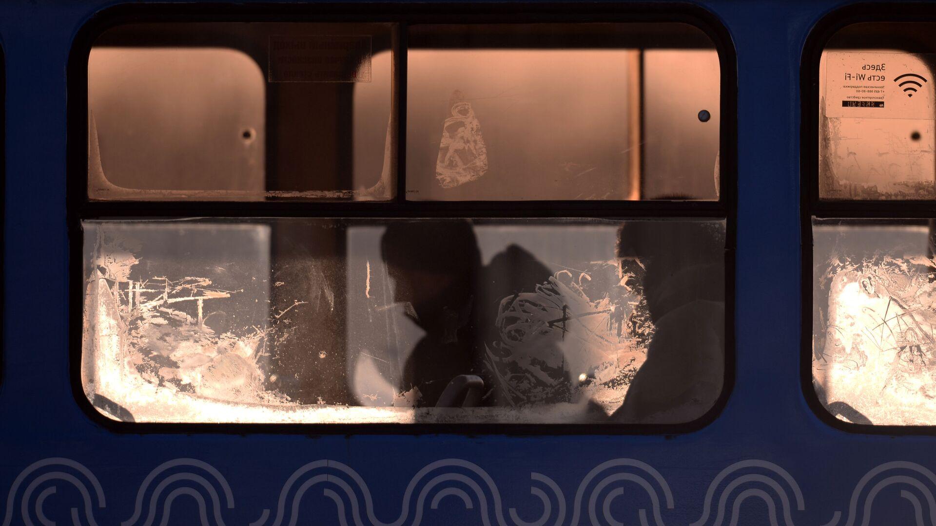 Городской автобус на одной из улиц Москвы - РИА Новости, 1920, 03.12.2020