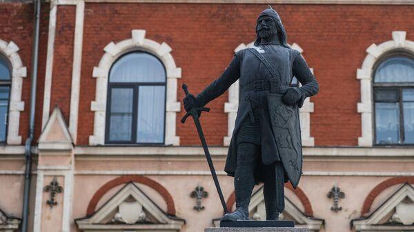 Памятник Торгильсу Кнутссону в городе Выборг