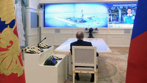 Президент РФ Владимир Путин во время церемонии запуска в режиме видеоконференции газопровода Бованенково – Ухта-2 и нефтепроводов: Заполярье – Пурпе и Куюмба – Тайшет. Архивное фото