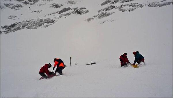 Мурманские спасатели проводят поисково-спасательную операцию. Архивное фото