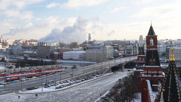 Вид со Спасской башни Московского Кремля