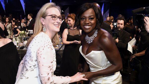 Мерил Стрип и Виола Дэвис на церемонии вручения премии Гильдии киноактеров США в Лос-Анджелесе