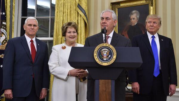 Рекс Тиллерсон во время принятия присяги в Белом доме в Вашингтоне, США. 1 февраля 2017