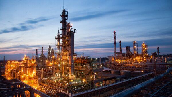 Хабаровский нефтеперерабатывающий завод, входящий в состав ННК. Архивное фото