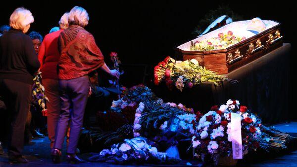Церемония прощания с народным артистом РСФСР Георгием Тараторкиным в театре имени Моссовета в Москве. 6 февраля 2017