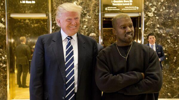 Президент США Дональд Трамп и американский рэпер Канье Уэст. 13 декабря 2016 год