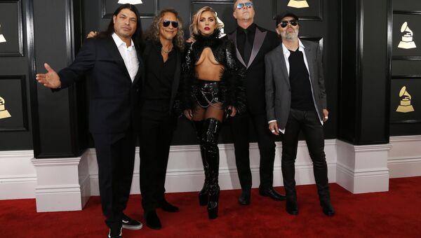 Группа Metallica и Леди Гага на 59-й ежегодной премии Грэмми в Лос-Анджелесе, 12 февраля 2017