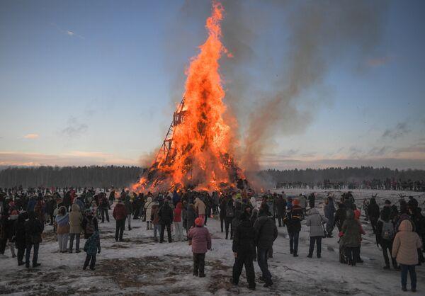 Празднование Масленицы в Никола-Ленивце