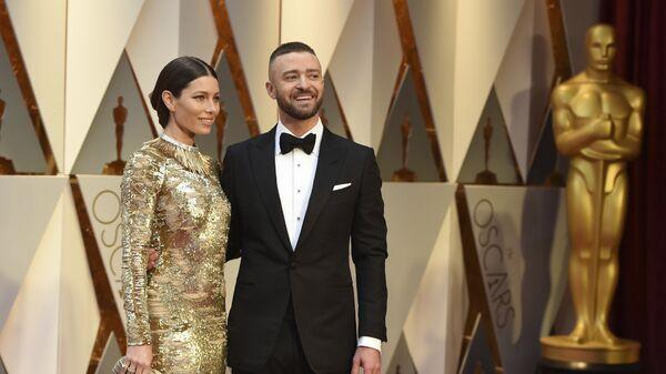 Актриса Джессика Бил и певец Джастин Тимберлейк на 89-й церемонии вручения Оскара в Голливуде, Лос-Анджелес