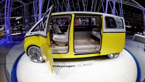 Автомобиль Volkswagen I.D. Buzz на Женевском международном автосалоне