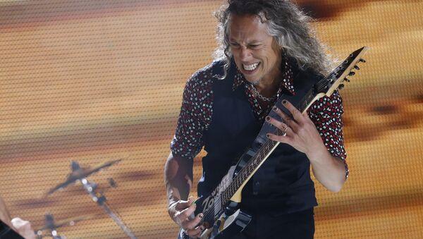 Гитарист группы Metallica Кирк Хэммет на концерте в Мехико