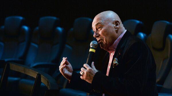 Телеведущий Владимир Познер