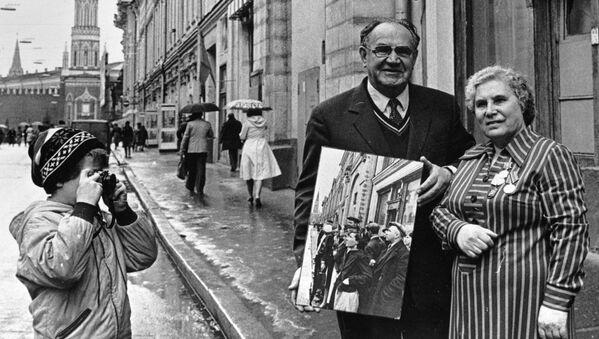 Анна Трушкина и фотокорреспондент Евгений Халдей, снимавший ее в первый день войны