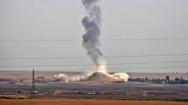 Авиаудар ВВС международной коалиции во главе с США в окрестностях Ракки, Сирия