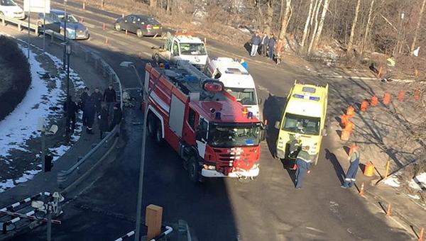 Пожарная машина на месте ДТП в аэропорту Домодедово. 30 марта 2017