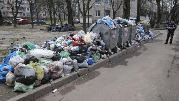 Невывезенный мусор. Архивное фото