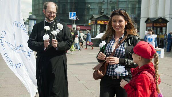 В Петербурге дан старт акции Белый цветок