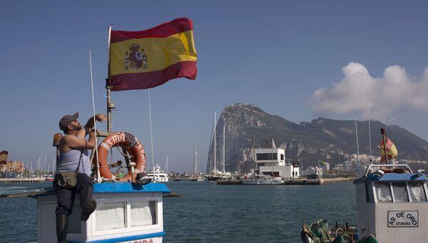 Испанский флаг. Архивное фото