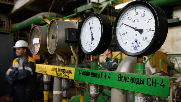Манометры на теплоэлектроцентрали в Киеве