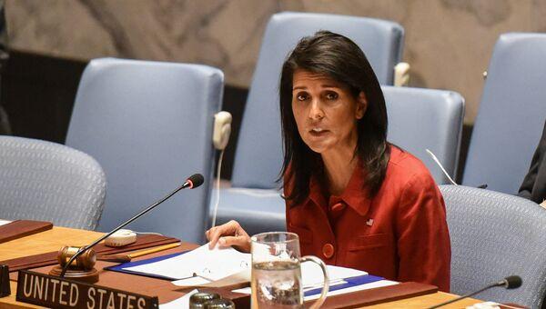 Постпред США в ООН Никки Хейли на заседании Совбеза ООН по Сирии. 7 апреля 2017