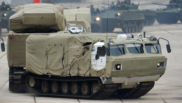 Зенитно-ракетный комплекс Тор М2 во время тренировки Парада Победы
