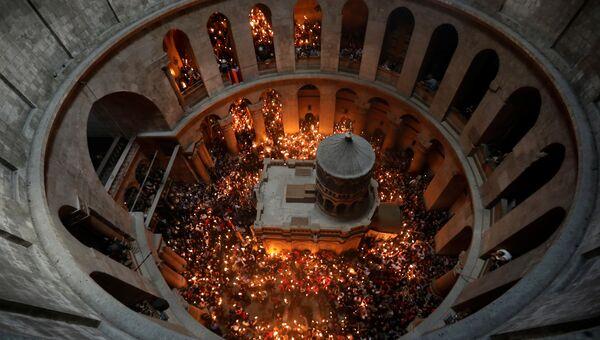 Схождение Благодатного огня на православную Пасху в Иерусалиме. 15 апреля 2017 года