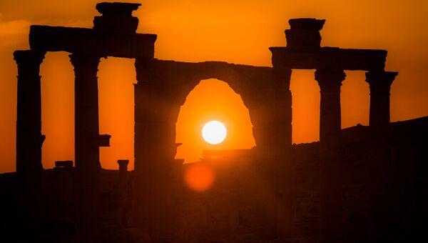 Древняя Пальмира на закате. Архивное фото