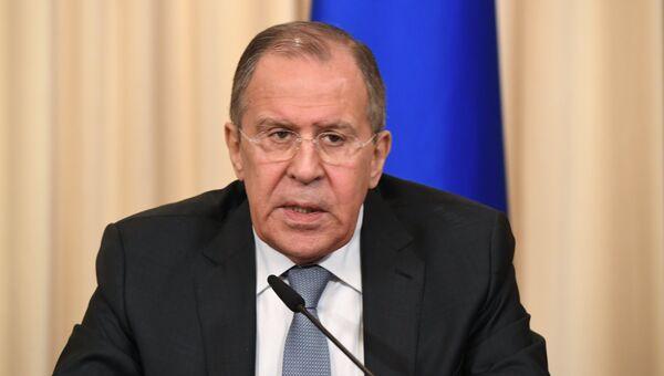 Сергей Лавров во время совместной пресс-конференции с Федерикой Могерини. 24 апреля 2017