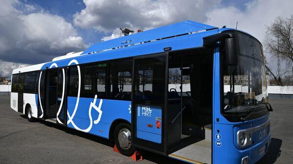 Презентация нового электробуса с возможностью зарядки на маршруте в Москве