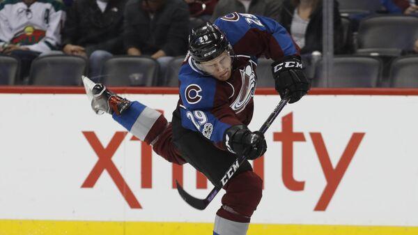 Канадский хоккеист Натан Маккиннон