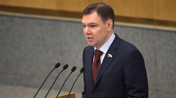 Председатель комитета Госдумы по информационной политике, информационным технологиям и связи Леонид Левин
