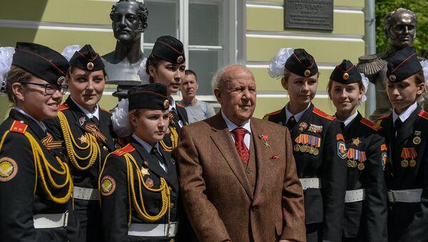 Президент Российской академии художеств, скульптор, художник Зураб Церетели на открытии Аллеи Правителей в Москве