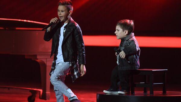 Виталий Толочкин и Данил Плужников во время выступления в финале шоу Ты супер!