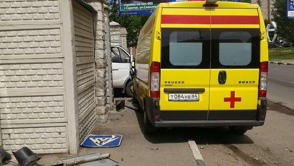 ДТП с участием автомобиля скорой помощи в Саратове. 30 мая 2017