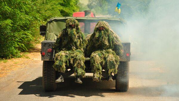 Военнослужащие ВСУ во время учений. Архивное фото