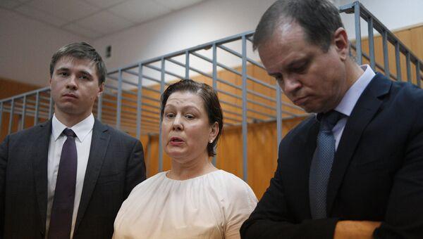 Оглашение приговора бывшему директору библиотеки украинской литературы Наталье Шариной, обвиняемой в экстремизме и растрате, в Мещанском суде Москвы. 5 июня 2017