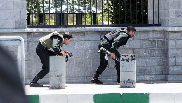 Вооруженные силы Ирана во время нападения на парламент в Тегеране. 7 июня 2017